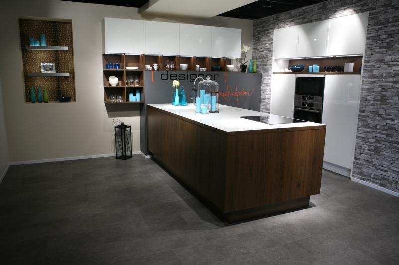 ixina st nazaire vogue modle cuisine quipe modle cuisine. Black Bedroom Furniture Sets. Home Design Ideas